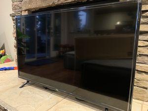 """TLC 43"""" LCD Roku TV (43S303) for Sale in Laguna Beach, CA"""