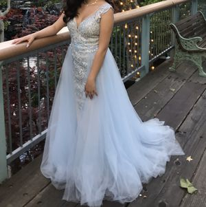 Prom dress, size 4, worn once for Sale in Los Banos, CA