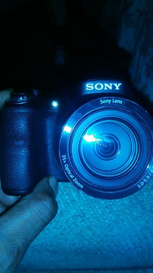Sony 35x optical zoom dsc -h300 for Sale in Detroit, MI