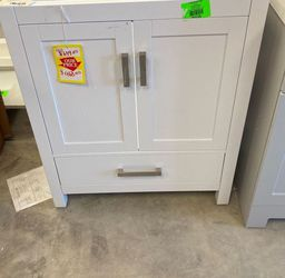 Wyndham Collection Cabinet GRS for Sale in Fort Worth,  TX