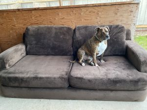 Oversized dark brown sofa (couch) in excellent condition for Sale in Galt, CA