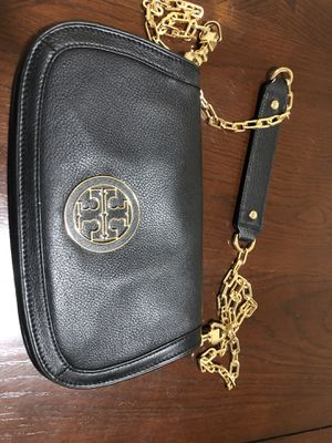 Tory Burch crossbody (authentic) for Sale in NO POTOMAC, MD