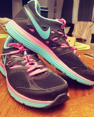 Nike (size 8) for Sale in Wichita, KS