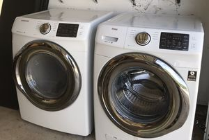 Samsung washer dryer (electric) for Sale in Redlands, CA