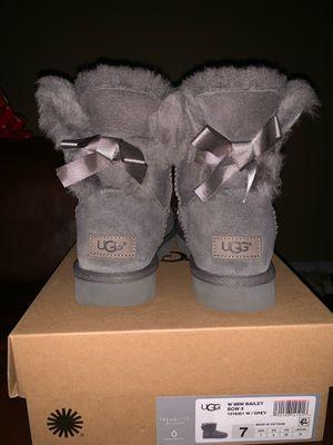 UGGS Women's Mini Bailey Bow ll Grey Size 7 for Sale in Santa Ana, CA