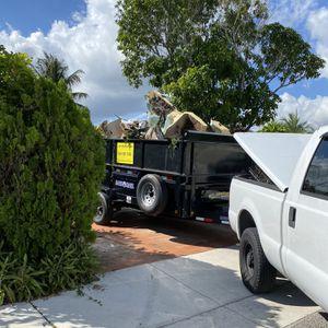 Bulk Trash Pick Up for Sale in Fort Lauderdale, FL