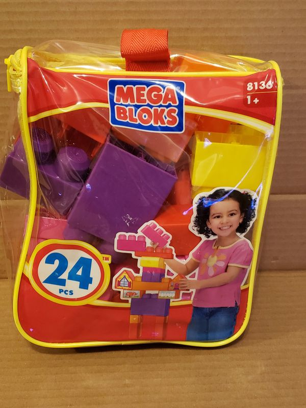 24 Piece Mega Bloks 8136 1+