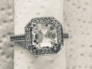 14k White Gold CZ Ring,Size 7 for Sale in Lynwood, CA