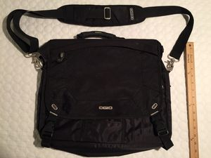 GREAT OGIO MESSENGER BAG IN FANTASTIC CONDITION for Sale in Evergreen, CO