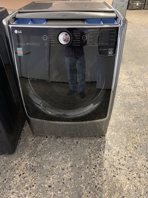 New LG FRONT LOAD WASHER AND DRYER ELECTRIC SET WITH WARRANTY for Sale in Woodbridge, VA