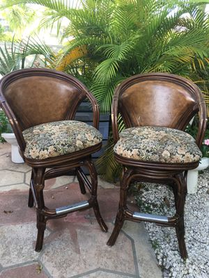 """Bar stool chairs, antique, beautiful pieces, solid wood , with leather back, very strong, revolving aprox High / 44"""" floor to top on back High / 29 for Sale in Bal Harbour, FL"""