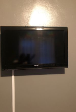32 inch TV works very good not a smart TV for Sale in Columbus, OH