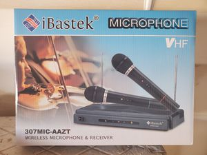 New wireless microphone & receiver for Sale in Riverside, CA