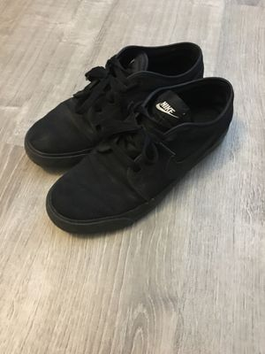 Black Nike shoes for Sale in Littleton, CO