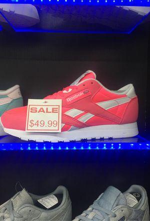 Reebok classic women for Sale in Miami, FL