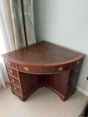 Antique Corner Desk for Sale in Germantown, MD