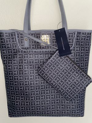 Tommy Hilfiger tote bag for Sale in Modesto, CA