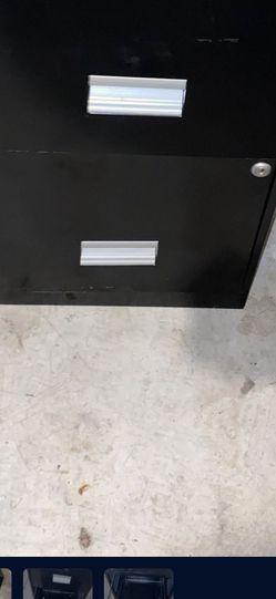 2 Drawer Filing Cabinet FREE for Sale in Spanaway,  WA