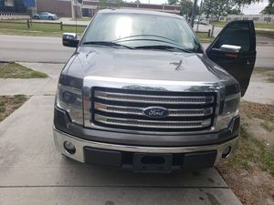 Ford f150 lariat 2014 for Sale in Tampa, FL