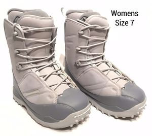 Womens Salomon Snow Boots (Size 7) for Sale in Tigard, OR