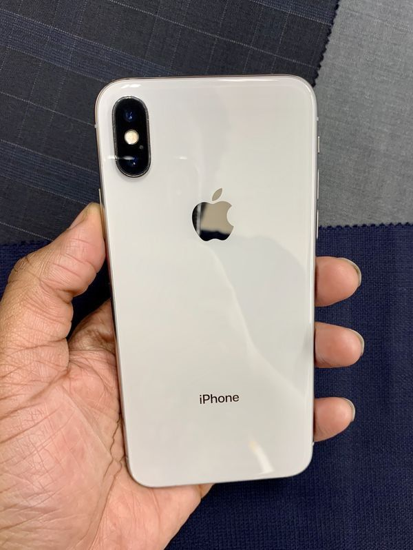 "iPhone X 64GB FACTORY UNLOCKED"" Like new with warranty"