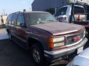1997 GMC Suburban for parts only for Sale in El Cajon, CA