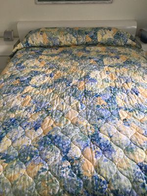 Bedspread for Sale in Stoughton, MA