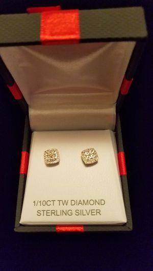 1/10 CT TW DIAMOND EARRINGS for Sale in Nashville, TN