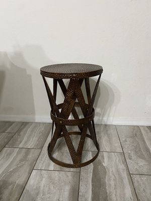 Hammered metal side/end table for Sale in Miami, FL
