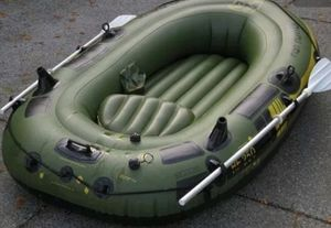Saylor 3 Person Raft & Accessories for Sale in Philadelphia, PA