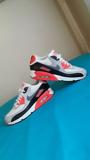 Nike Air Max 90 Infrared Size 8 WOMEN and Size 6.5 MEN and 6.5Y for Sale in Marietta, GA