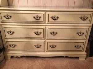 White 6-drawer dresser for Sale in Morgantown, WV