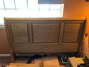 Pine queen size bed for Sale in Arvada, CO