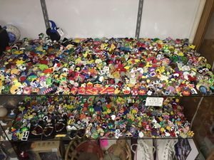 500 plus Disney Pins at the Antique Warehouse 5301 Pirrone Rd Salida for Sale in Ceres, CA