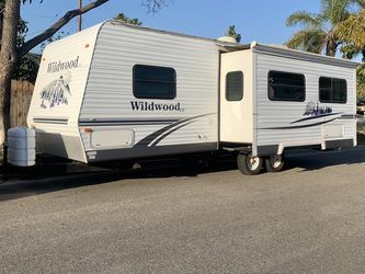 2007 Wildwood Forest River super Slide for Sale in Anaheim,  CA