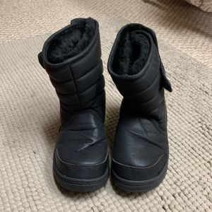 Toddler 11 - Snow Boots for Sale in Houston, TX