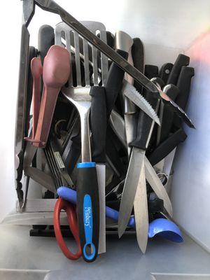 Pending pickup ——Free kitchen supplies for Sale in Las Vegas, NV