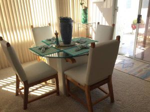Living room set for Sale in Palm Springs, CA