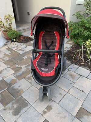 Graco stroller. Red for Sale in Lake Worth, FL