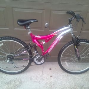 BRAND NEW MOUNTAIN BIKE SIZE 26, ALUMINUM FRAME, FRONT AND REAR SUSPENSION for Sale in Orlando, FL