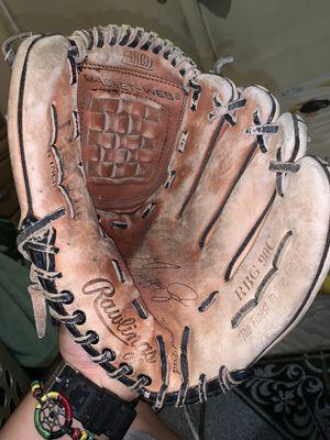 Baseball Glove for Sale in Turlock, CA