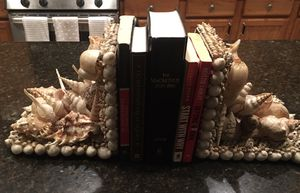 Beautiful vintage seashell bookends for Sale in Riverside, CA
