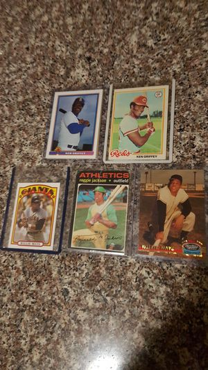 REGGIE JACKSON, WILLIE MAYS AND KENNY GRIFFIN TRADING CARD BUNDLE. for Sale in San Leandro, CA