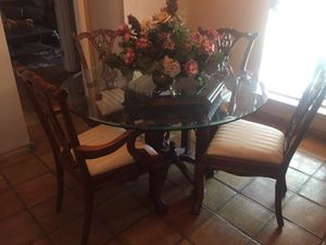 Dinning table w/ 4 chairs for Sale in Houston, TX