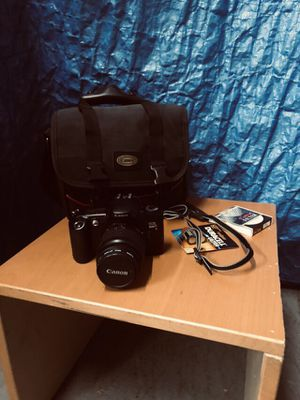 Canon film camera with carry case for Sale in Washington, DC