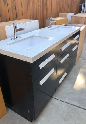 17 Kitchen Cabinets, Newer, never installed for Sale in San Diego, CA
