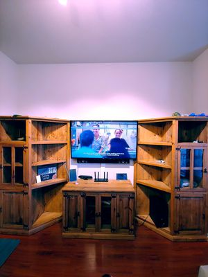 Wooden Entertainment center for Sale in Mansfield, TX