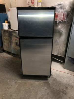 2018 Motorhome and trailer Dometic American RM3762 for Sale in Hayward, CA