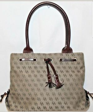 Dooney and bourke tote for Sale in Hastings, NE