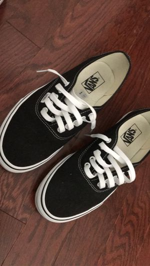 Black & white authentic vans size. 10 for Sale in Kissimmee, FL